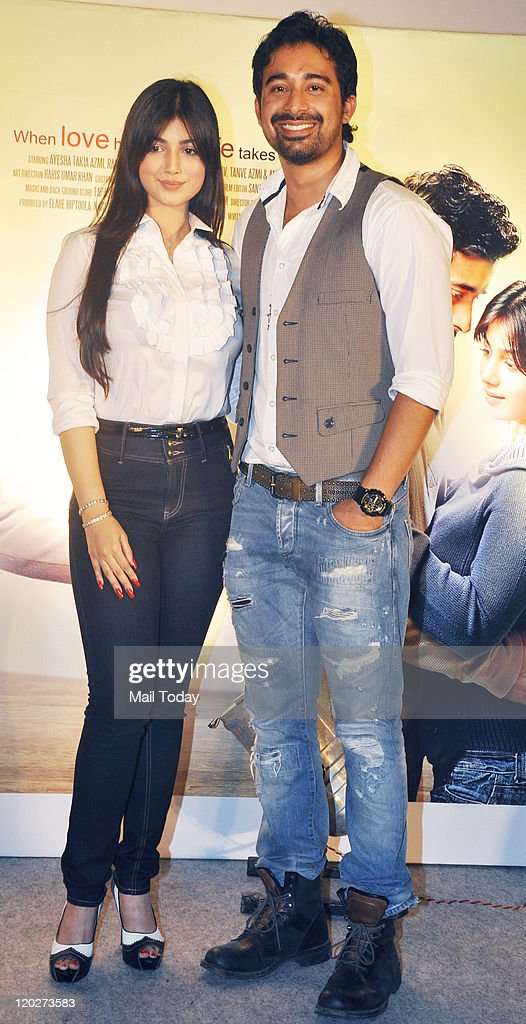 Ayesha Takia and Ranvijay Singh at the unveiling of the first look of the movie `Mod` at Cinemax Juhu in Mumbai on August 022011