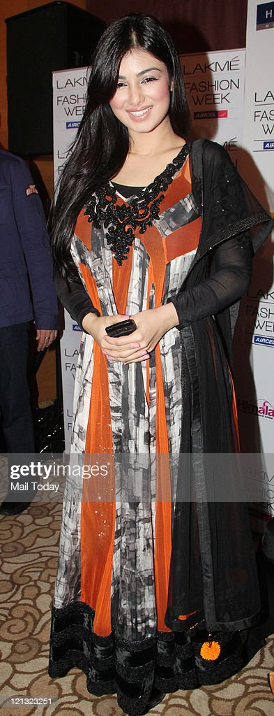 Ayesha Takia attends the show of designer Archana Kochhar during Lakme Fashion Week Winter/Festive 2011 held at Grand Hyatt in Mumbai