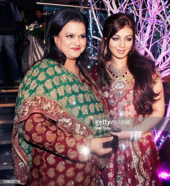 Ayesha Takia With Her Mother Faridah At The Wedding Reception Of