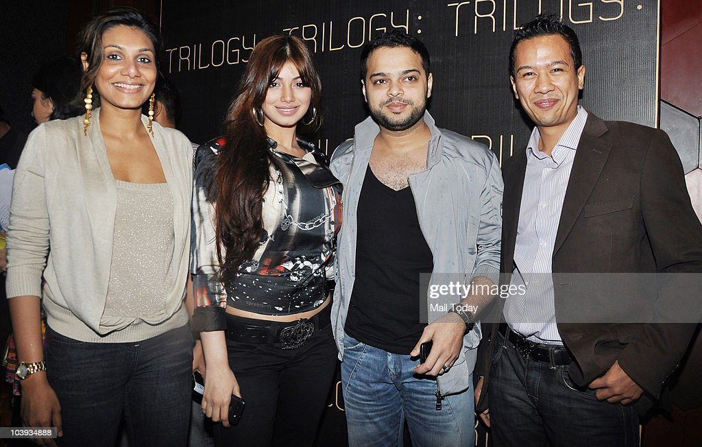 Ayesha Takia with husband Farhan Azmi at the launch of Trilogy in Mumbai on September 8 2010