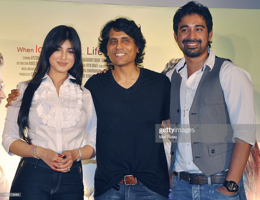 Ayesha TakiaNagesh Kukunoor and Rannvijay Singh at the unveiling of the first look of the movie `Mod` at Cinemax Juhu in Mumbai on August 022011