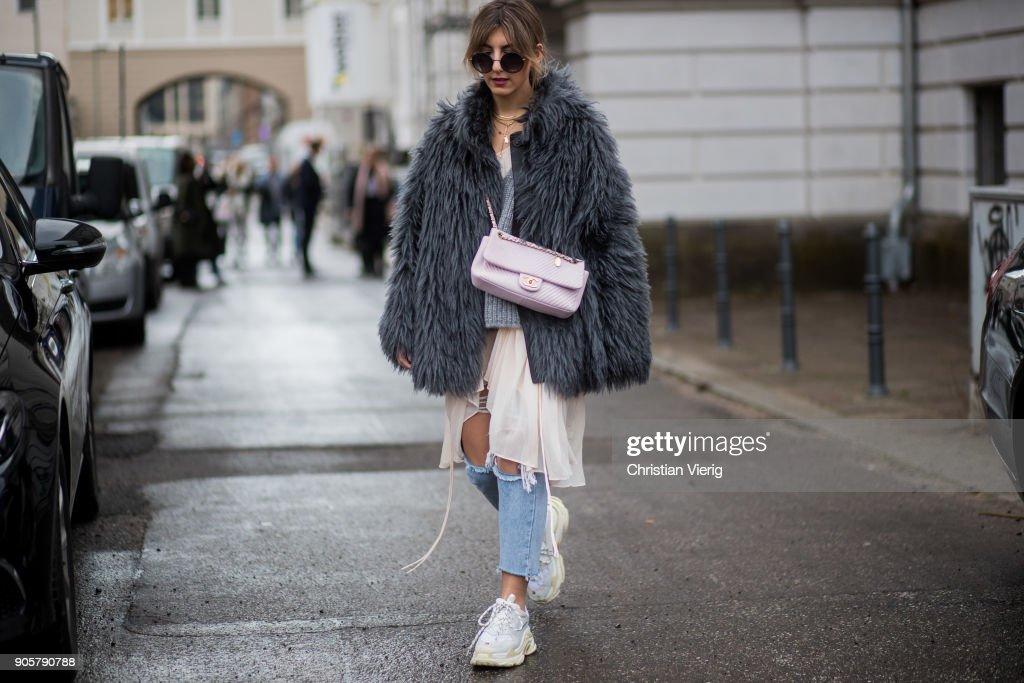 Street Style - Berlin Fashion Week January 2018 : News Photo