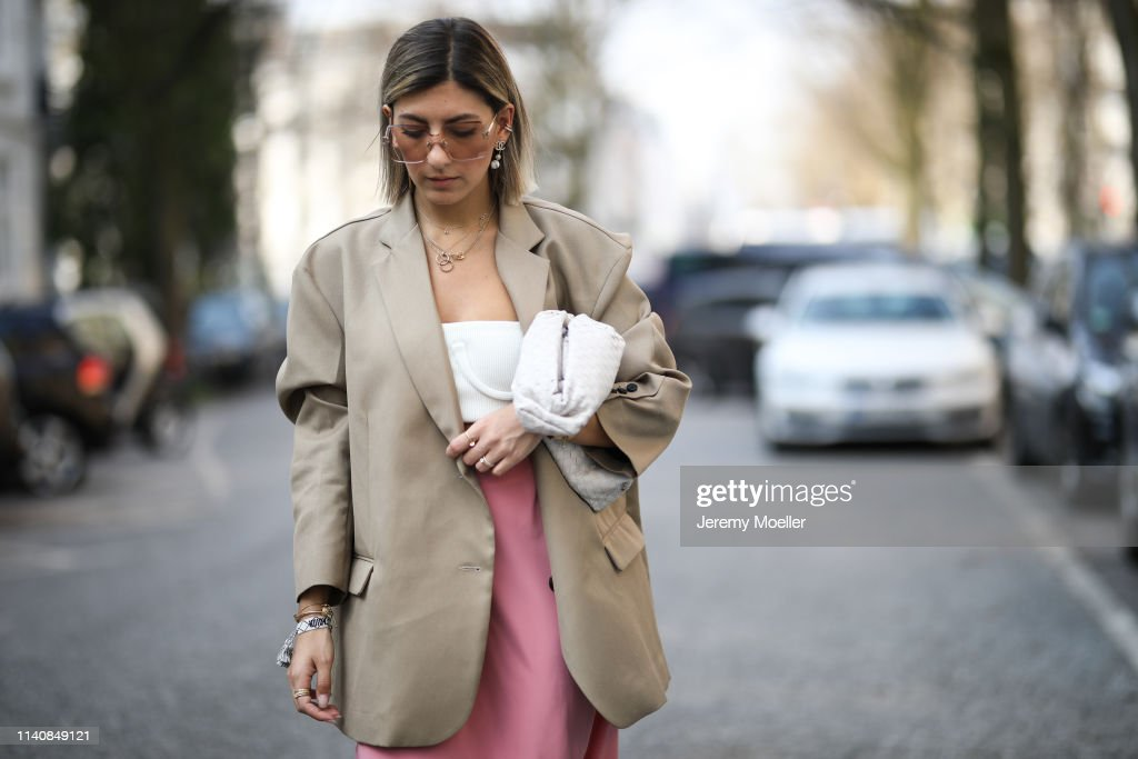Street Style - Hamburg - April 06, 2019 : News Photo