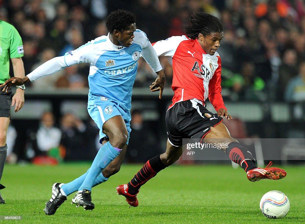 Ayodele Adeleye (L) of Sparta Rotterdam : News Photo