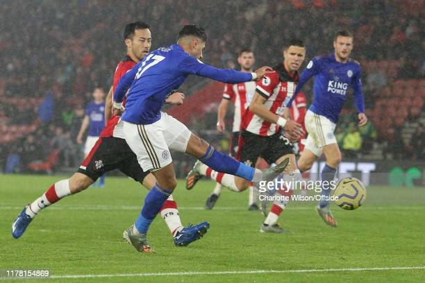 Ayoze Perez of Leicester scores their 6th goal during the Premier League match between Southampton FC and Leicester City at St Mary's Stadium on...