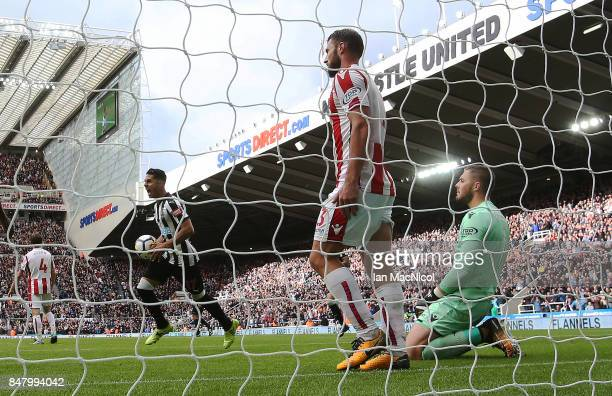 Ayoze Perez of Newcastle United celebrates after his team score their winning goal during the Premier League match between Newcastle United and Stoke...
