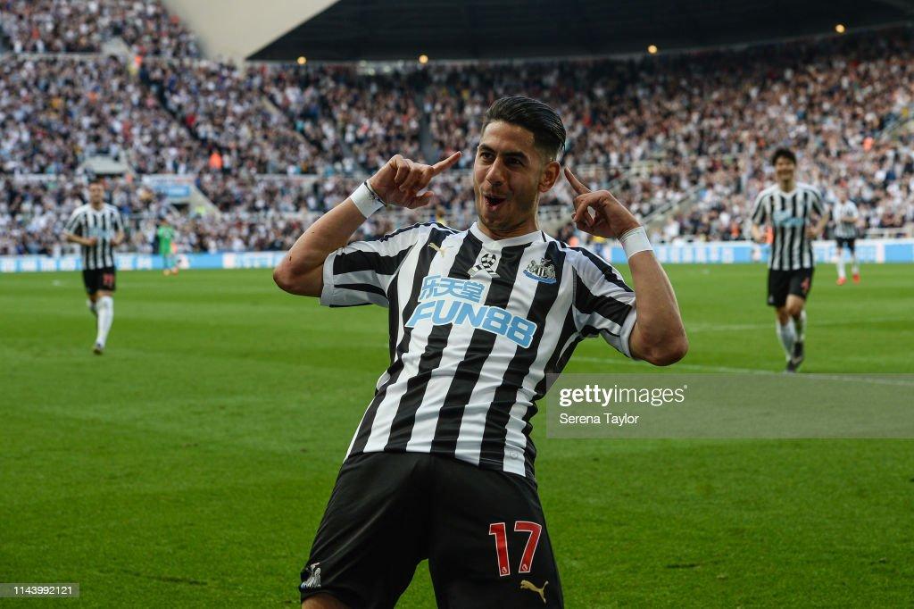 Newcastle United v Southampton FC - Premier League : News Photo