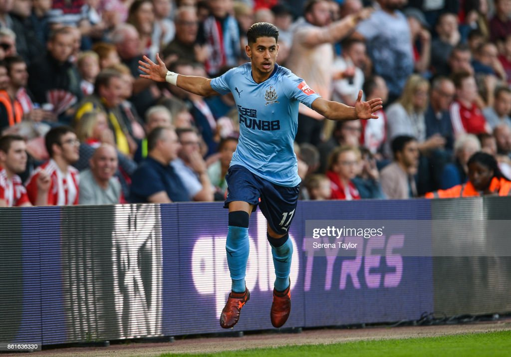 Ayoze Perez of Newcastle United (17) celebrates after scoring Newcastle's second goal goal during the Premier League match between Southampton and Newcastle United at St.Mary's Stadium on October 15, 2017, in Southampton, England.