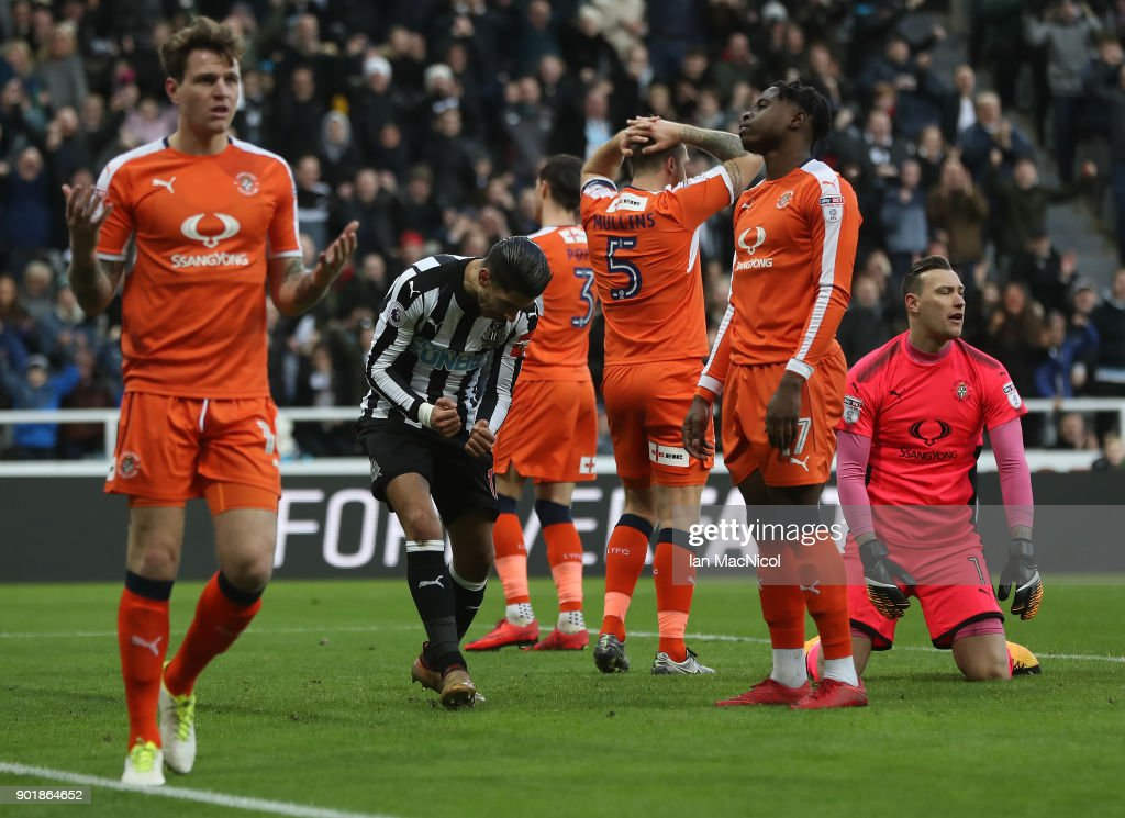 Ayoze Perez of Newcastle United celebrates after scoring the opening goal during the Emirates FA Cup third round match between Newcastle United and Luton Town at St James' Park on January 6, 2018 in Newcastle upon Tyne, England.