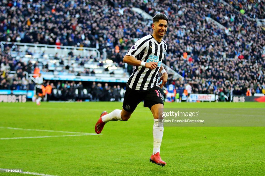 Newcastle United v Everton FC - Premier League : News Photo