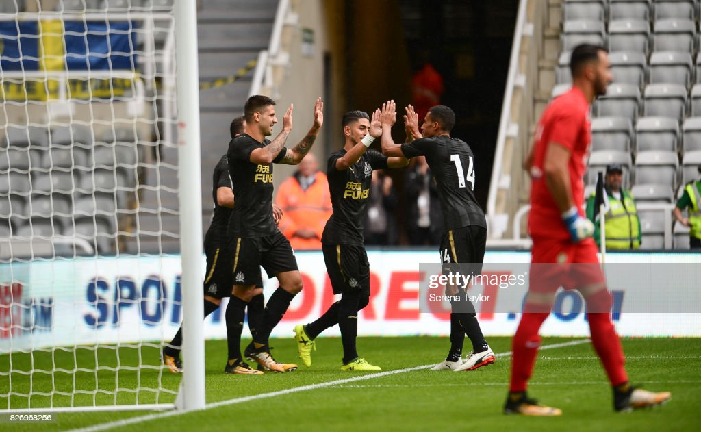 Ayoze Perez of Newcastle United (17) celebrates with teammates after scoring the opening goal during the Pre Season Friendly match between Newcastle United and Hellas Verona at St.James' Park on August 6, 2017, in Newcastle upon Tyne, England.