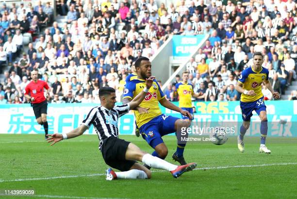 Ayoze Perez of Newcastle United scores his team's second goal during the Premier League match between Newcastle United and Southampton FC at St....