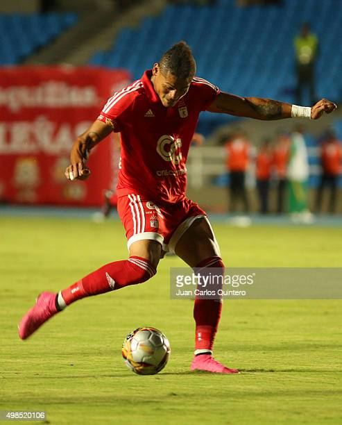 Ayron del Valle of America de Cali prepares to kick the ball during a match between America de Cali and Bucaramanga as part of fourth round of...