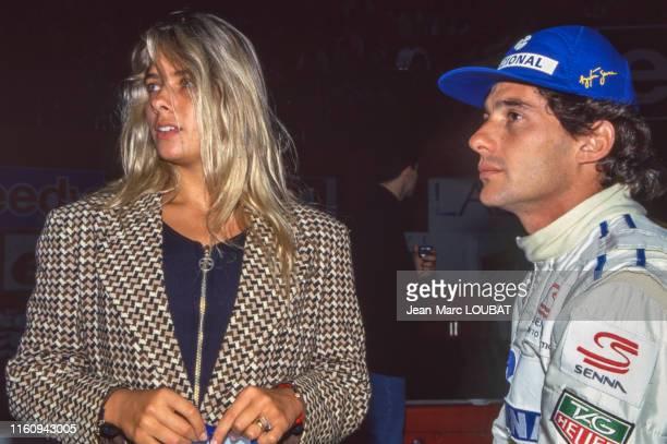 Ayrton Senna et sa compagne Adriane Galisteu lors du 'Master Karting Indoor' à Paris Bercy le 19 décembre 1993, France.