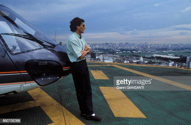 Ayrton Senna et son hélicoptère à Sao Paolo le 15 février 1994, Brésil.