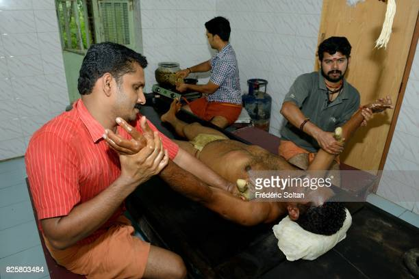 Ayurvedic retreat in Kerala Massage for a patient of the Keraleeya Ayurveda Samajam Hospital and Research Centre based in Shoranur Palakkad This...