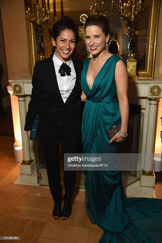 Azita Ardakani (L) and Sophie Bush attend the Bloomberg & Vanity Fair cocktail reception following the 2015 WHCA Dinner at the residence of the French Ambassador on April 25, 2015 in Washington, DC.
