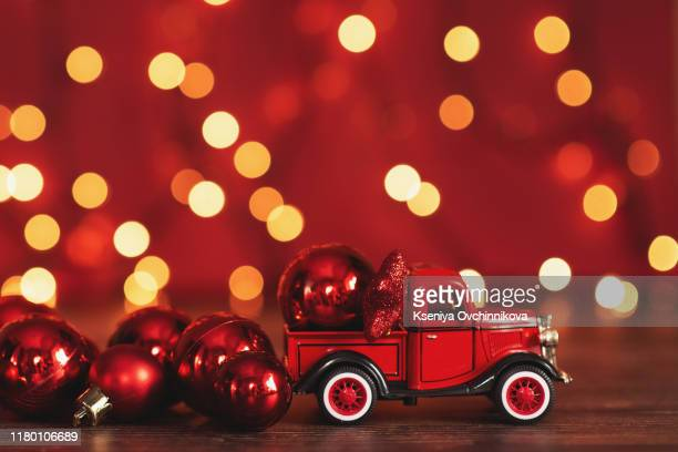 60 Vintage Red Truck Christmas Photos And Premium High Res Pictures Getty Images