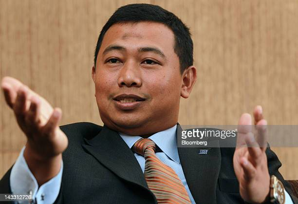 Azrulnizam Abdul Aziz chief executive officer of Al Rajhi Bank gestures as he speaks during an interview in Kuala Lumpur Malaysia on Wednesday April...