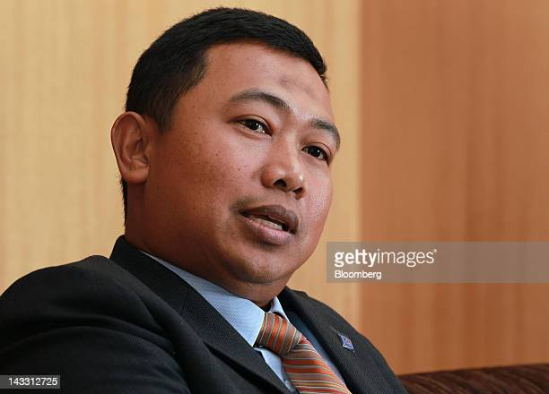 Azrulnizam Abdul Aziz chief executive officer of Al Rajhi Bank speaks during an interview in Kuala Lumpur Malaysia on Wednesday April 18 2012 Saudi...