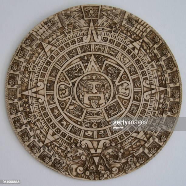 aztec calendar - astecas imagens e fotografias de stock