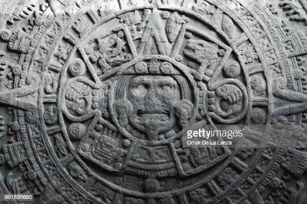 aztec calendar - calendario azteca fotografías e imágenes de stock