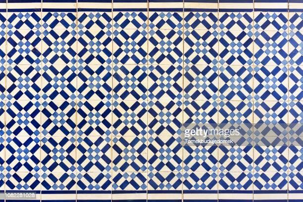 azulejos - cultura marroquí fotografías e imágenes de stock