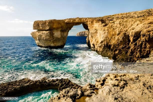 azure window, gozo, malta - dwejra stock-fotos und bilder