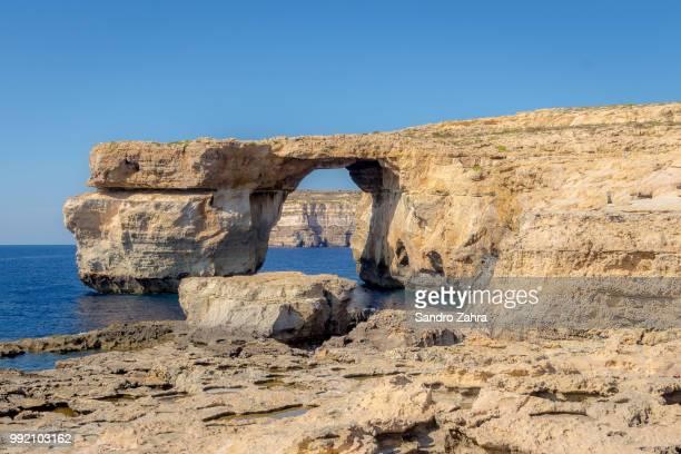 azure window - dwejra stock-fotos und bilder