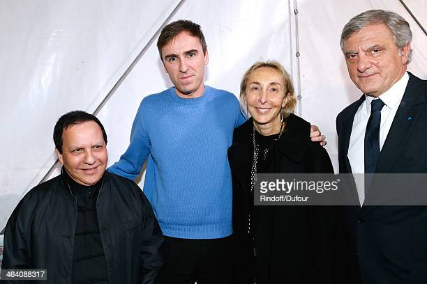 Azzedine Alaia Fashion Designer Raf Simons Carla Sozzani and CEO Dior Sidney Toledano backstage after the Christian Dior show as part of Paris...