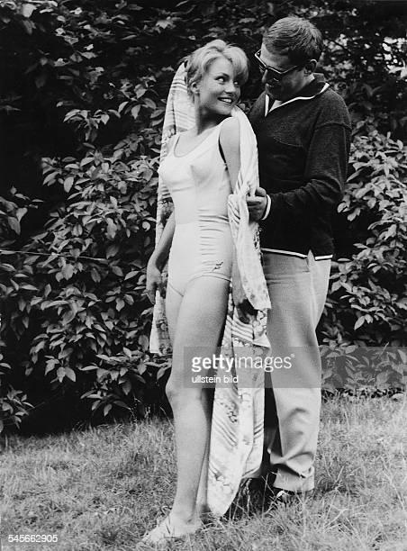 Baal, Karin *-Schauspielerin, D- mit ihrem Ehemann Kalle Gaffkus- Juni 1961
