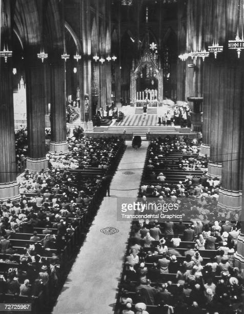 NEW YORK AUGUST 1948 Babe Ruth lies in his coffin in St Patricks Cathedral in New York City as thousands attend his funeral service