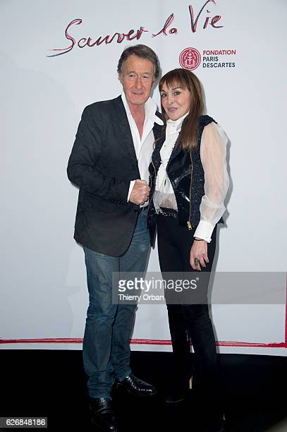 Babeth Djian and Eric Pfunder attend the diner 'sauver la vie' Eric Pfrunder Hosts 'Sauver La Vie' Diner for Paris Descartes Fondation at Pavillon...