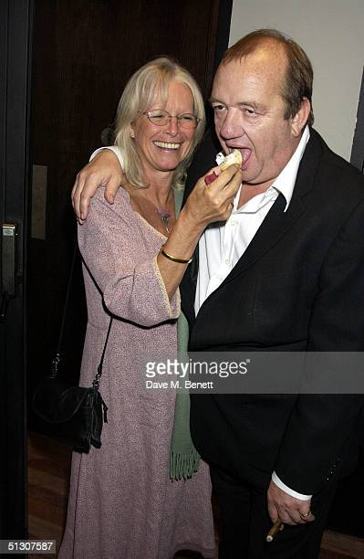 Babs Powell and Mel Smith attend the charity gala performance celebrity auction for Best Of The Empire at the Hackney Empire on September 14 2004 in...