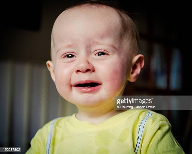 baby crying - s0ulsurfing stockfoto's en -beelden