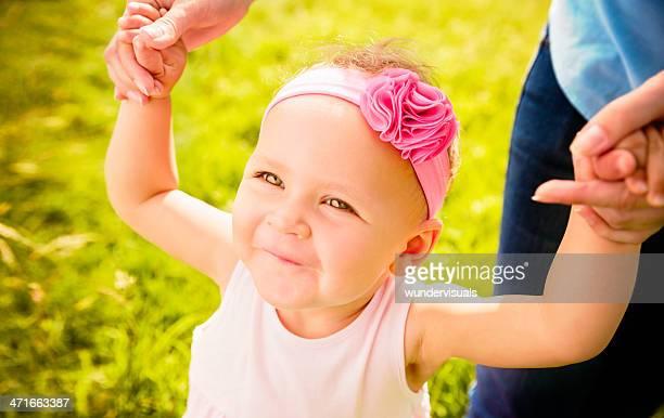 Baby Mädchen Spaß zu Ihrer ersten Schritte