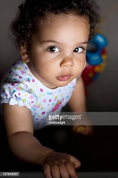 Baby Mädchen nachschlagen