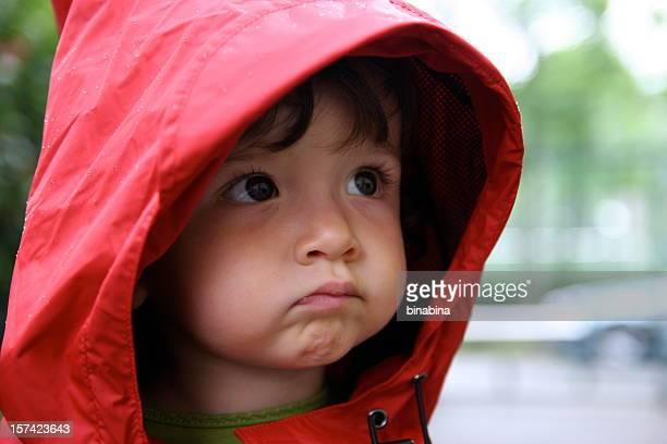 baby im Regen