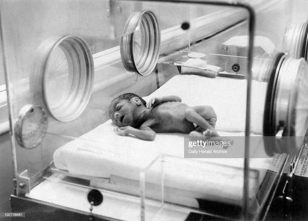 Baby lying in oxygen tent February 1956. u0027Baby arrives unexpectedly. Sleeping peacefully & Baby lying in oxygen tent February 1956. Pictures | Getty Images