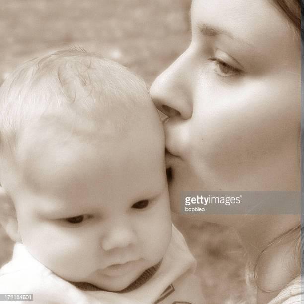 baby - motherhood (1)