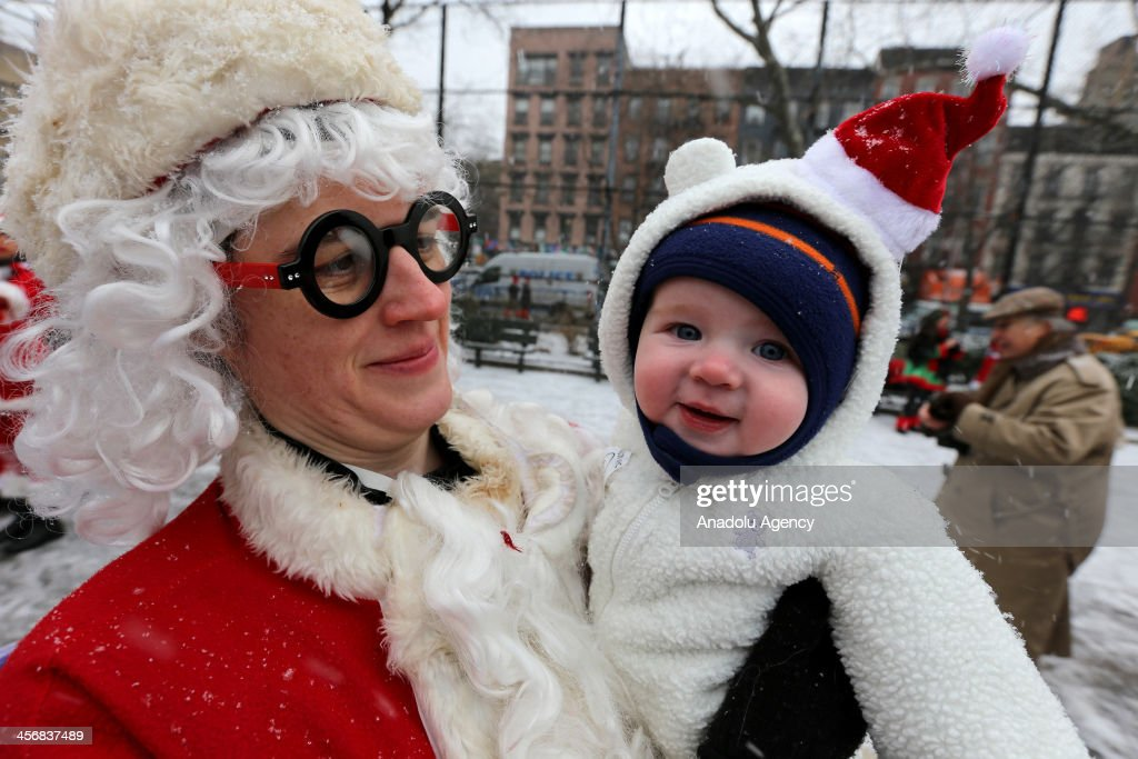 SantaCon in New York City : News Photo