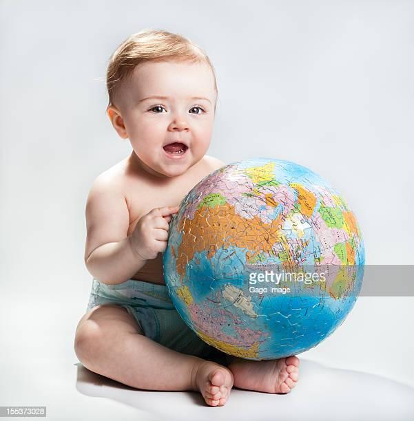ベビーを示す地球