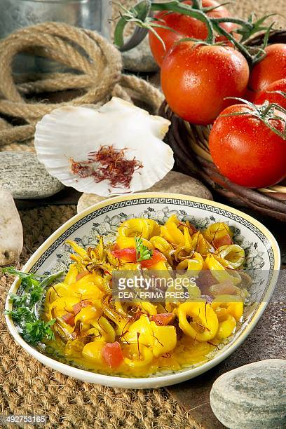 Baby squid with tomatoes and saffron