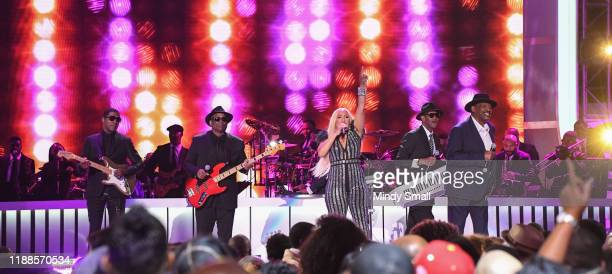 Babyface Terry Lewis Cherrelle Jimmy Jam and Alexander O'Neal perform during the 2019 Soul Train Awards at the Orleans Arena on November 17 2019 in...
