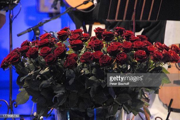 BaccaraRosen Blumenstrauß bei MDRAufzeichnung Abschlußkonzert der KirchenkonzertTournee mit H e i n o Die Himmel rühmen St MarienKirche Rheydt...