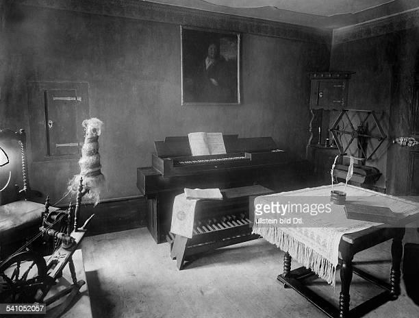 Bach Johann Sebastian *2103168528071750Komponist D Wohnzimmer im BachHaus in Eisenach undatiert veroeffentlicht in 'Musik für Alle' 4Jahrgang Heft3
