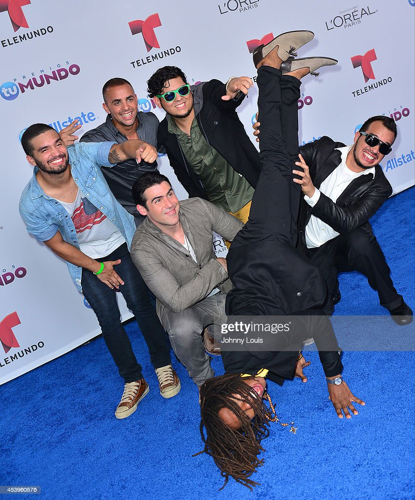 Bachaco and Jose Guillermo Cortines arrive at Telemundo's Premios Tu Mundo Awards 2014 at American Airlines Arena on August 21, 2014 in Miami, Florida.