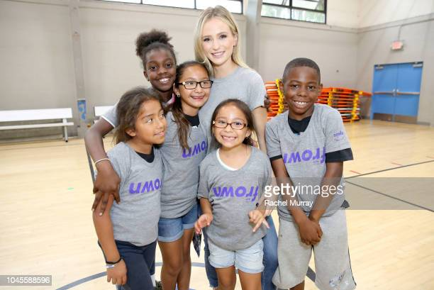 Bachelor Alum Lauren Bushnell teamed up with SmileDirectClub to spread #GrinsAroundTheWorld with a stop at The Boys Girls Club in celebration of...