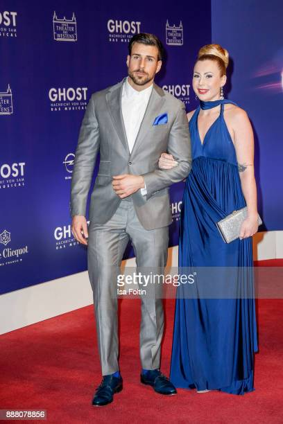 Bachelor Leonard Freier and his girlfriend Caona during the premiere of 'Ghost Das Musical' at Stage Theater on December 7 2017 in Berlin Germany