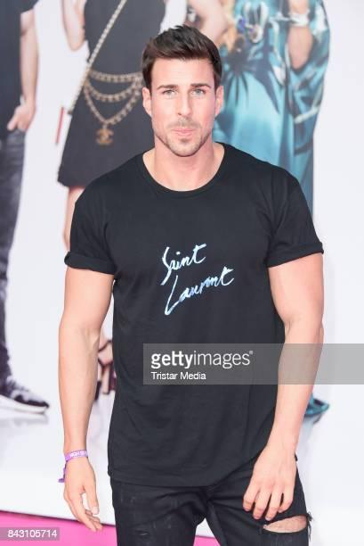 Bachelor Leonard Freier attends the 'High Society' Premiere at CineStar on September 5, 2017 in Berlin, Germany.